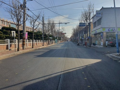 1-1. 목포시, 순천당약국~죽교파출소 구간 가변차로제 시행 (구간 공사 모습).png
